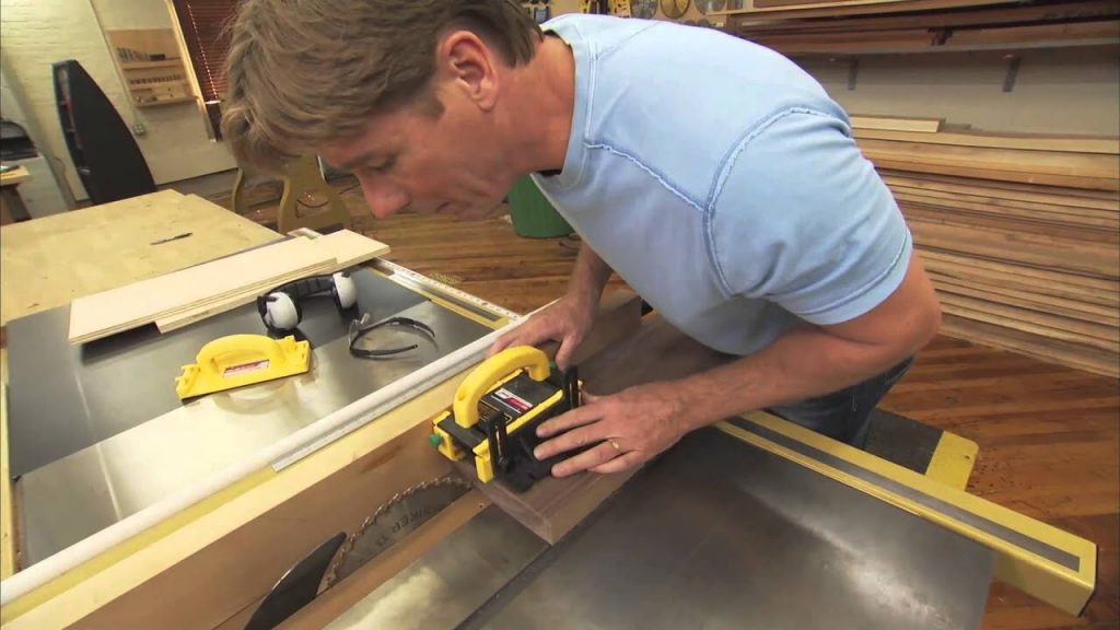 A Detailed Guide On How To Square Lumber With A Table Saw 4